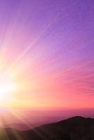 朝日と雲海に太陽光