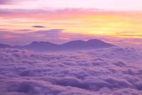 朝焼けの空と雲海(浅間山)