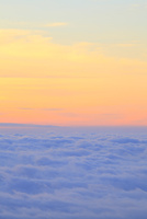 朝焼けの空と雲海