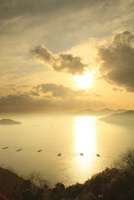 瀬戸内海・相生湾の夕日 11076013260| 写真素材・ストックフォト・画像・イラスト素材|アマナイメージズ
