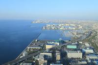 大阪湾と阪神高速湾岸線 11076013429  写真素材・ストックフォト・画像・イラスト素材 アマナイメージズ