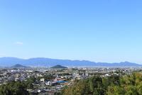 山の辺の道 大和三山(耳成山・畝傍山)と二上山の眺望 11076013454  写真素材・ストックフォト・画像・イラスト素材 アマナイメージズ
