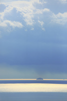 鞆の浦から望む瀬戸内海 11076014357| 写真素材・ストックフォト・画像・イラスト素材|アマナイメージズ