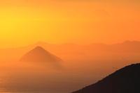 大槌島と瀬戸内海の夕景