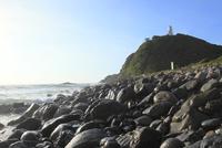 四国最東端の蒲生田岬海岸と灯台  11076014647| 写真素材・ストックフォト・画像・イラスト素材|アマナイメージズ