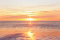 初日の出の海と七里御浜