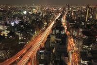 阪神高速道路と大阪市街夜景