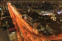 阪神高速道路と大阪市街夜景 11076015038| 写真素材・ストックフォト・画像・イラスト素材|アマナイメージズ