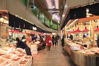 金沢・近江市場 冬の味覚 11076015130| 写真素材・ストックフォト・画像・イラスト素材|アマナイメージズ