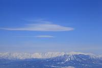 志賀高原より冬の北アルプスと飯綱山