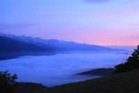 北アルプス(白馬三山)に雲海と朝焼け