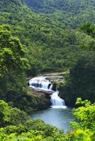 沖縄西表島 マリュドゥの滝