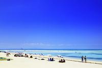 沖縄竹富島 コンドイビーチの海 11076019525| 写真素材・ストックフォト・画像・イラスト素材|アマナイメージズ
