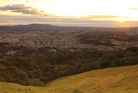 若草山から望む奈良市街と夕日