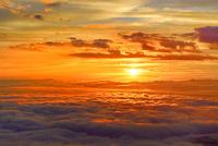磐梯吾妻スカイライン 朝焼けの雲海と朝日