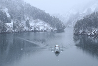 雪の庄川峡 遊覧船