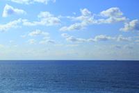 海と雲 11076023115| 写真素材・ストックフォト・画像・イラスト素材|アマナイメージズ
