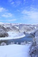 矢垂橋より望む千曲川の雪景色