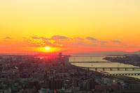大阪市街・淀川と夕日