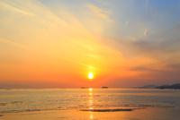 播磨灘の海と夕日