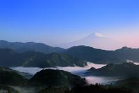 清水吉原の雲海に朝焼けの富士山