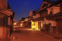 脇の町並のライトアップ夜景