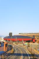 てつのくじら館と呉市街 11076027190| 写真素材・ストックフォト・画像・イラスト素材|アマナイメージズ