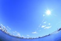レインボーブリッジと太陽に光芒