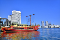 東京港・日の出桟橋の観光船