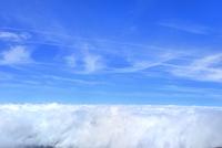 富士山五合目御庭より雲海と南アルプスに雲