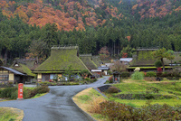 京都 美山かやぶきの里の紅葉