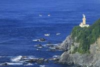 佐田岬半島先端の佐田岬灯台に豊予海峡