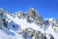 中央アルプス宝剣岳と千畳敷カールの雪景色