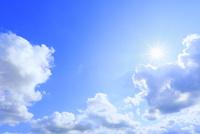 雲と太陽 11076032226| 写真素材・ストックフォト・画像・イラスト素材|アマナイメージズ