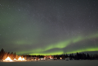 Aurora and Milky Way,  Aurora Village, Yellowknife, Northwes 11079021032| 写真素材・ストックフォト・画像・イラスト素材|アマナイメージズ