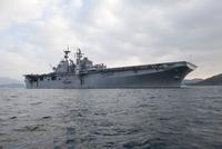 The amphibious assault ship USS Bonhomme Richard. 11079026386| 写真素材・ストックフォト・画像・イラスト素材|アマナイメージズ