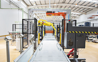 Conveyor belt in factory 11086009115| 写真素材・ストックフォト・画像・イラスト素材|アマナイメージズ