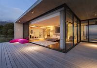 Sliding glass doors onto bedroom of modern house 11086017179| 写真素材・ストックフォト・画像・イラスト素材|アマナイメージズ