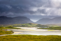 Tranquil view of mountains and water, Uig, Isle of Lewis, Outer Hebrides 11086032858| 写真素材・ストックフォト・画像・イラスト素材|アマナイメージズ