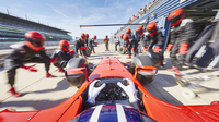 Pit crew ready for formula one race car in pit stop 11086033489| 写真素材・ストックフォト・画像・イラスト素材|アマナイメージズ