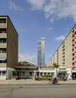 Sweden, Skane, Malmo, Slottstaden, View of modern apartment building from street