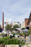 Finland, Uusimaa, Helsinki, Sornainen, Open air restaurant with people in background