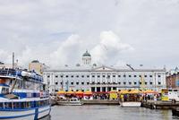 Finland, Uusimaa, Helsinki, Kruunuhaka, View of marina with anchored boats on cloudy day