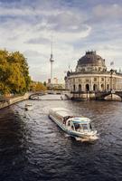 Germany, Berlin, View of River Spree 11090016717| 写真素材・ストックフォト・画像・イラスト素材|アマナイメージズ