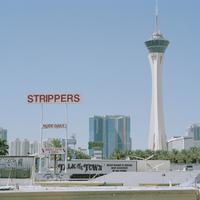 USA, Nevada, Las Vegas, Commercial signs at Las Vegas Boulevard 11090018426| 写真素材・ストックフォト・画像・イラスト素材|アマナイメージズ