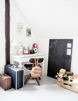 Sweden, Empty girl´s room 11090019200| 写真素材・ストックフォト・画像・イラスト素材|アマナイメージズ