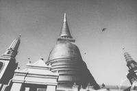 Thailand, Bankok, Wat Phra Kaew, view of Buddhist temple (shot on 35mm film using Nikon N90S and Polaroid Polapan instant slide 11093014234| 写真素材・ストックフォト・画像・イラスト素材|アマナイメージズ