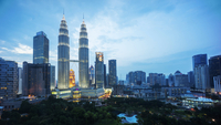 High rise buildings in downtown Kuala Lumpur. 11093014649| 写真素材・ストックフォト・画像・イラスト素材|アマナイメージズ