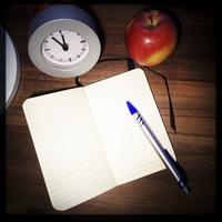Approaching deadline, empty notebook. Studio, Berlin, Germany 11094001296| 写真素材・ストックフォト・画像・イラスト素材|アマナイメージズ
