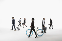 Business people commuting and traveling against white background 11096049124| 写真素材・ストックフォト・画像・イラスト素材|アマナイメージズ